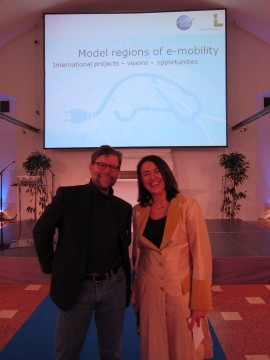 ...mit Monika Langthaler, der Moderatorin