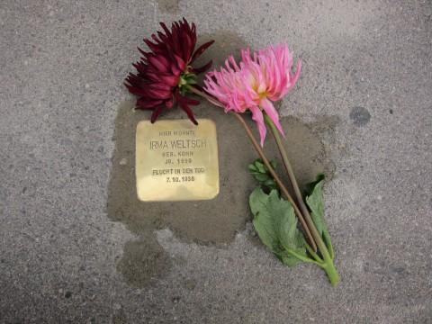 Ein Stolperstein für Irma Weltsch in der Schillerstraße 77