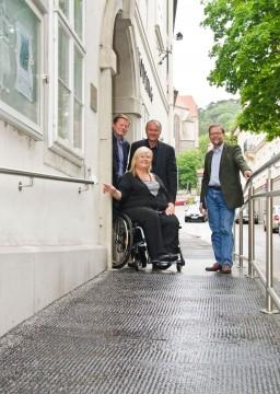Zugang ins Gemeindeamt über eine neue Rampe