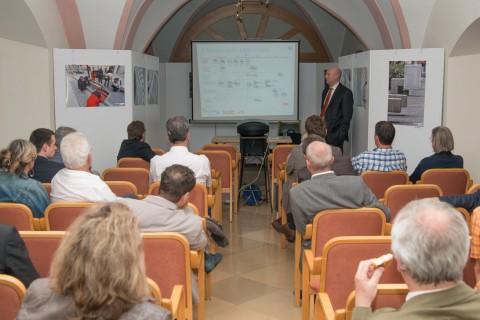 Mag. Illes (WienEnergie) bei seinem Vortrag über die Elektro-Mobilität am SOLAR DAY 2013
