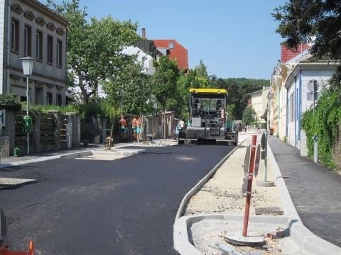 Arbeiten in der Josefsgasse bei ziemlicher Hitze am 29. Juli