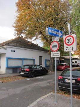 Die Rupprechtgasse von der Neusiedlerstraße aus gesehen