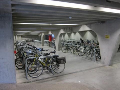 Fahrrad-Tiefgarage im Zentrum von Gent (Flandern)