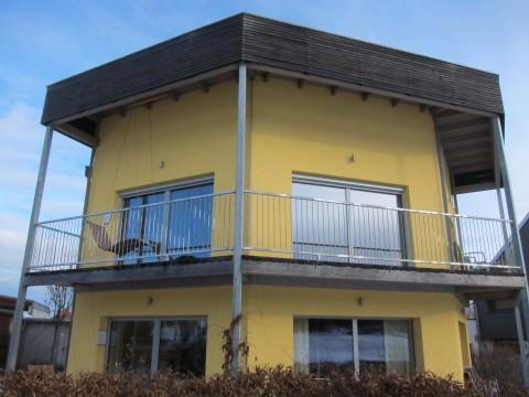 """Das Probewohnhaus """"o[p]taeder"""" von außen ..."""