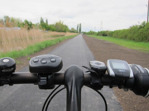 Auf der Höhe von Gumpoldskirchen / Guntramsdorf wurde der Radweg eindrucksvoll saniert. Es ist wirklich angenehm zu fahren dort.