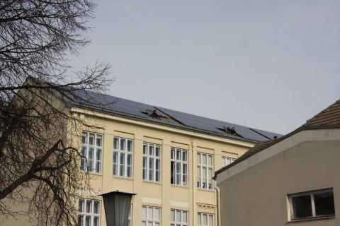 Die PV-Anlage auf der Babenbergerschule: ein Projekt aus der BürgerInnenbeteiligungsaktion 2013