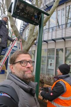 """""""Selfie"""" bei der Montage an der Haltestelle Lerchengasse"""