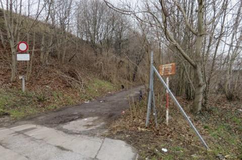 Von Süden her gesehen wäre das der Anfang der vorgeschlagenen Route (mit Sanierungsbedarf!)