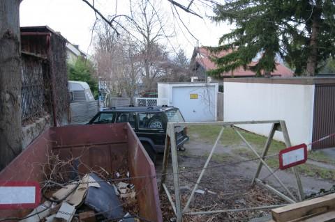 Die Scheffergasse von der Bernhardgasse aus in Richtung Norden gesehen: abgesehen von der privaten Nutzung nicht gerade ein Schmuckkasterl´...